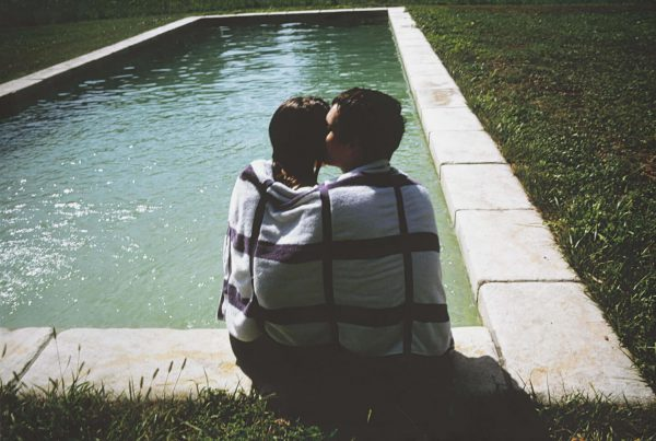 baf02318_nangoldin_simon-jessica-embraced
