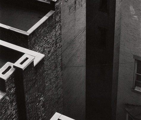 baf02304_paulstrand_the-court-new-york-1924